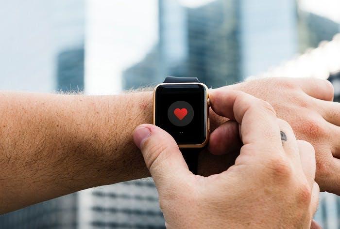 إنترنت الأشياء في الرعاية الصحية: استخدام الحالات والاتجاهات والمزايا والعيوب