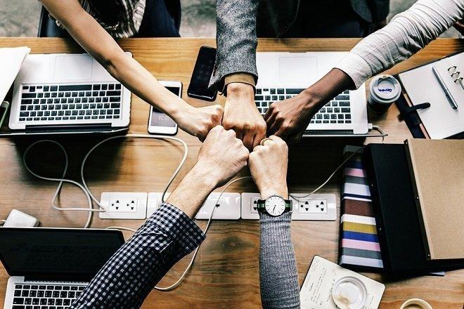 كيفية استئجار فريق التطوير المخصص